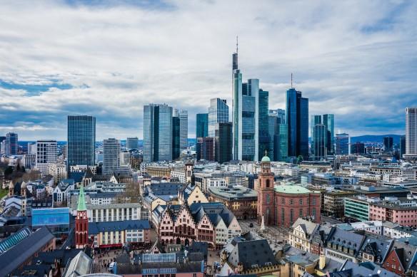 Frankfurt: Hochburg des Kapitalismus Foto Leonhard Niederwimmer/pixabay