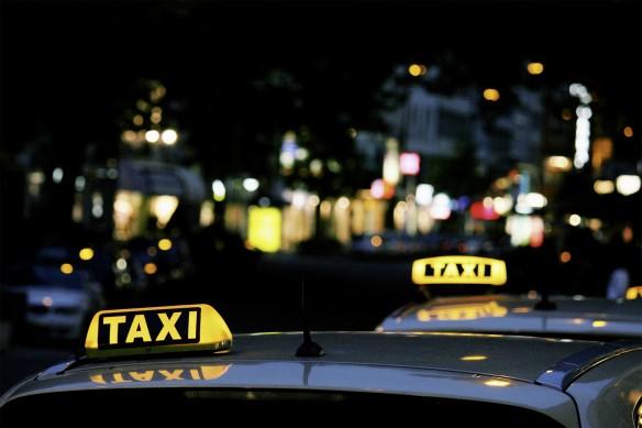 Was unterscheidet ein Taxi von einem Mietwagen?