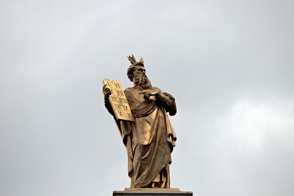 Moses und der erste Zehn-Punkte-Plan Foto S. Herman/Pixabay
